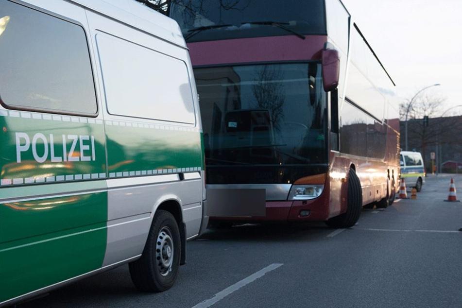Der Reisebus war in einem so schlechten Zustand, dass er die Fahrt nicht fortsetzen durfte (Symbolbild).