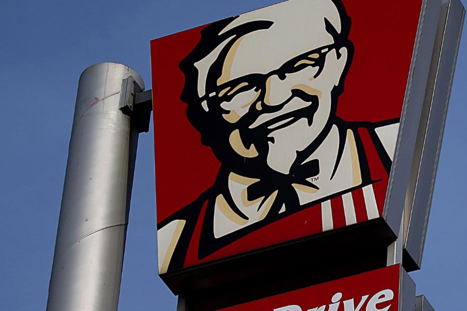 Teenie-Einbrecher-Trio raubt Kentucky Fried Chicken aus und macht dabei so ziemlich alles falsch