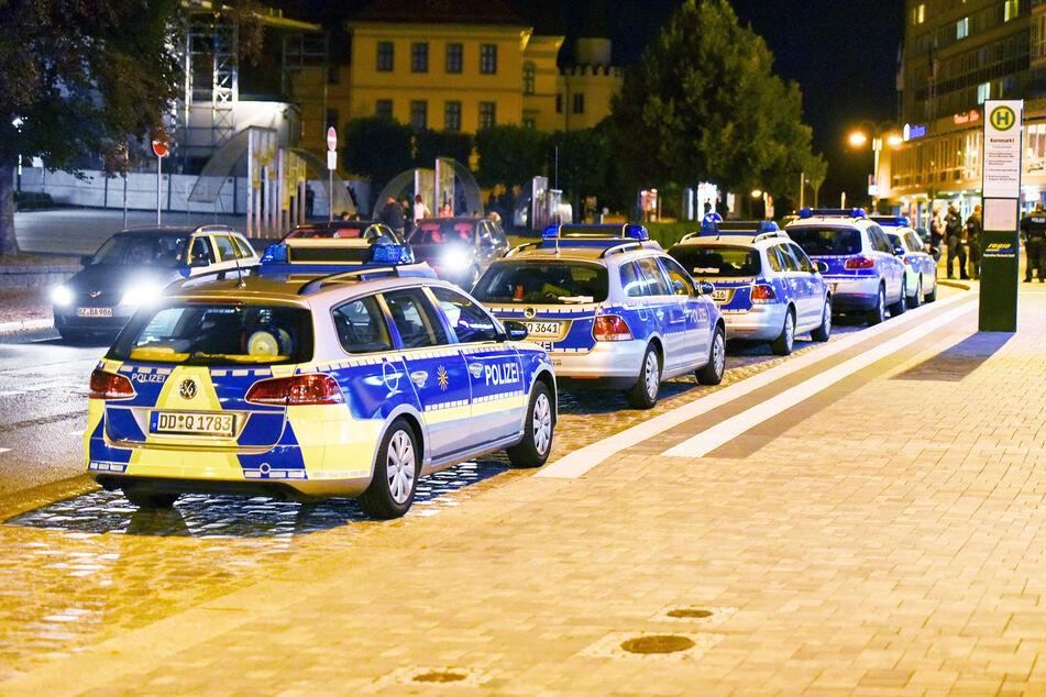 Ein Großaufgebot der Polizei steht in Bautzen. (Symbolbild)