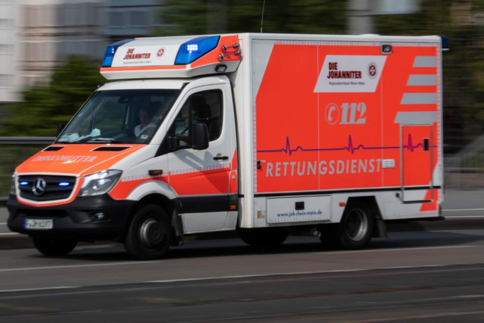 Familienstreit eskaliert: 51-Jähriger von Loggia gestürzt
