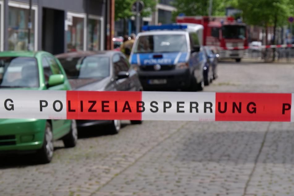 Die Polizei hat das Büro der Partei Die Linke in der Faulenstraße abgesperrt.