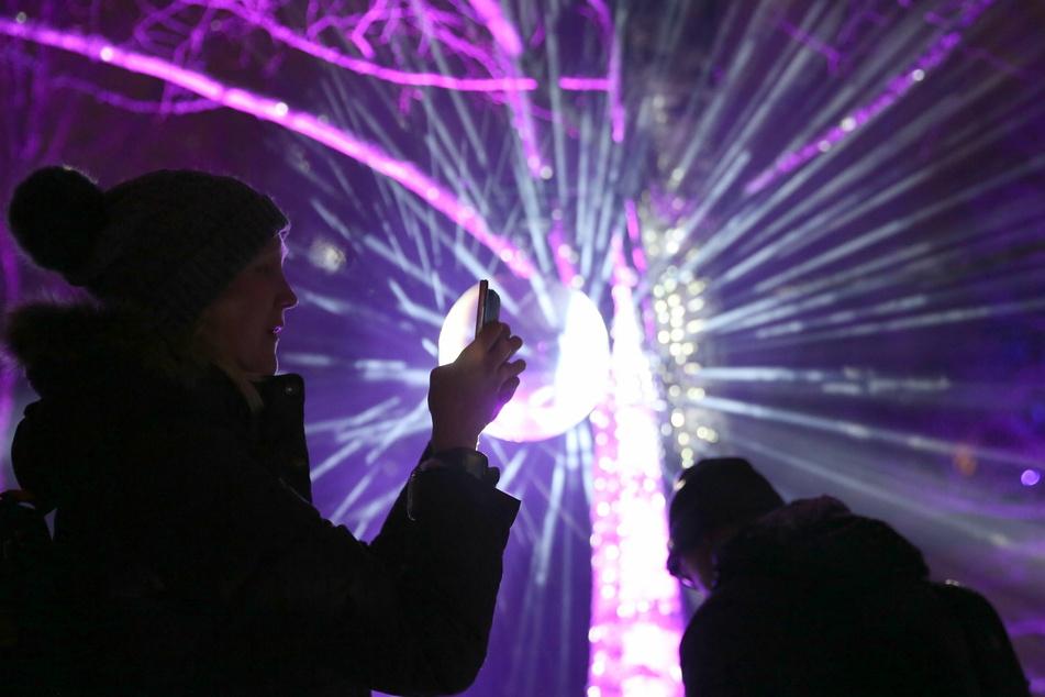 Lichtinstallationen und Lasershows könnten Alternativen zum traditionellen Feuerwerk sein.