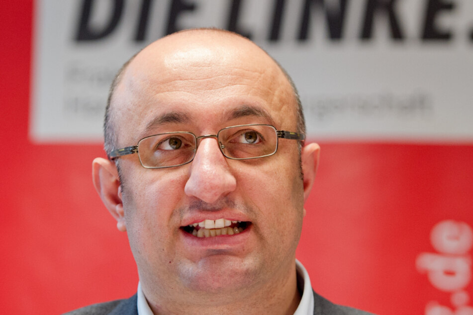 Seit 2009 ist der 42-Jährige Parteimitglied bei den Linken.