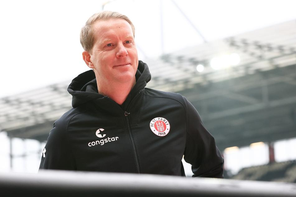 Paulis Trainer Timo Schultz (43).