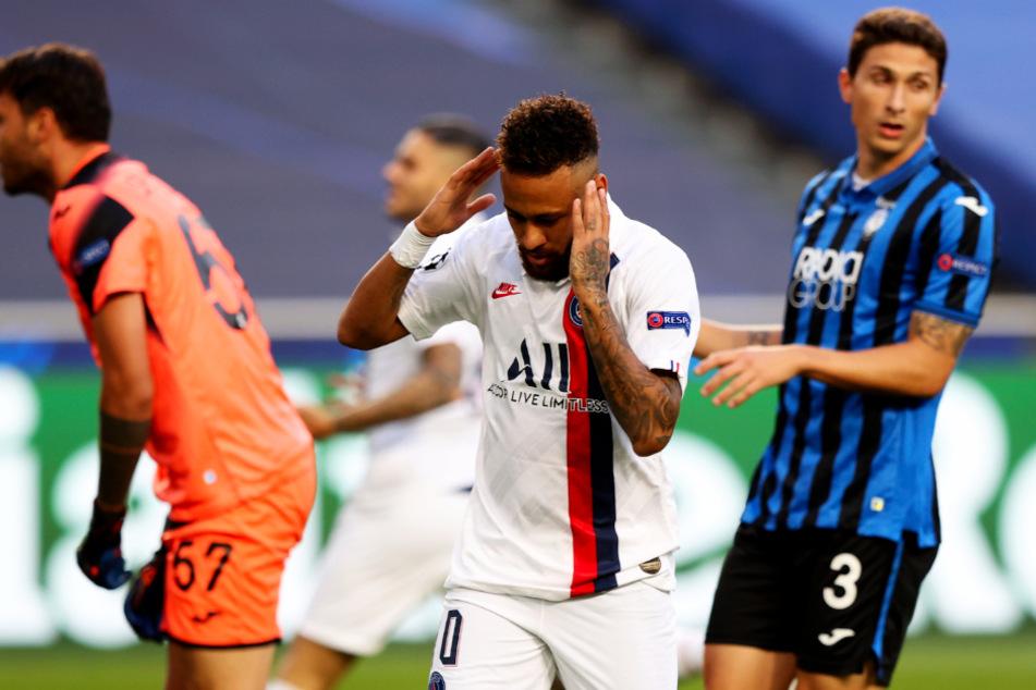 Neymar (vorne-Mitte) vergab in der 1. Halbzeit gleich drei Chancen, bereitete aber kurz vor Ablauf der regulären Spielzeit auch den verdienten Ausgleich vor.
