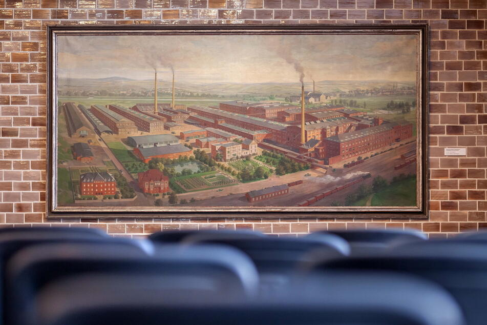Dieses Gemälde zeigt die riesigen Halbmond-Werke in Oelsnitz/V. um 1930.