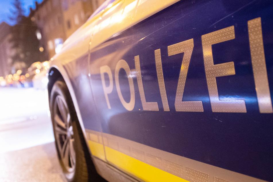 Die Polizei hat fünf Männer und Frauen verhaftet, die einen 15-Jährigen in Ingolstadt entführt haben sollen. (Symbolbild)