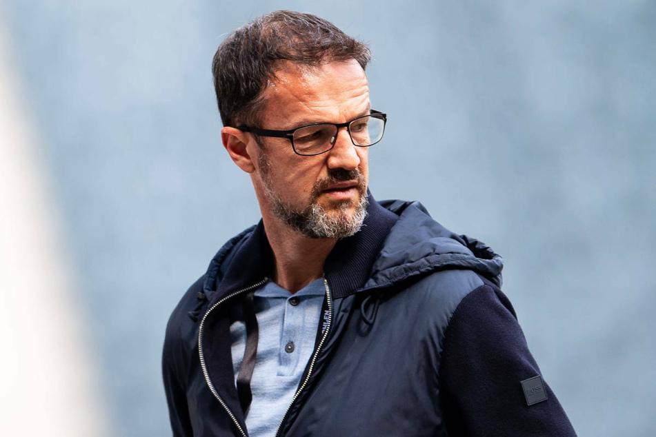 Fredi Bobic (49), der neue Geschäftsführer von Hertha BSC, bestätigte in einem Interview am Samstag, dass sein Vertrag auch für die 2. Bundesliga gültig ist.