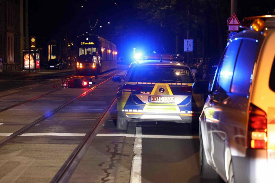 Der Unfall ereignete sich am Hubertusplatz in Dresden. Die Straßenbahnlinie 3 musste deshalb zwischenzeitlich stillstehen.
