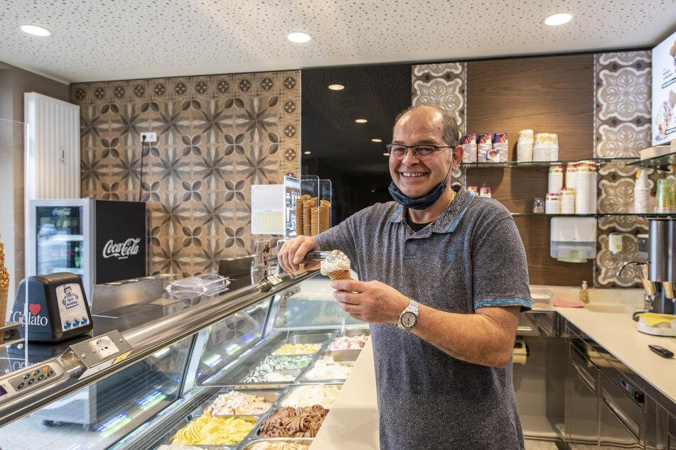 """Giancarlo Foscaro (58) ist trotz Pandemie mit seinem neuen Eiscafé """"Gelato Italiano"""" erfolgreich."""