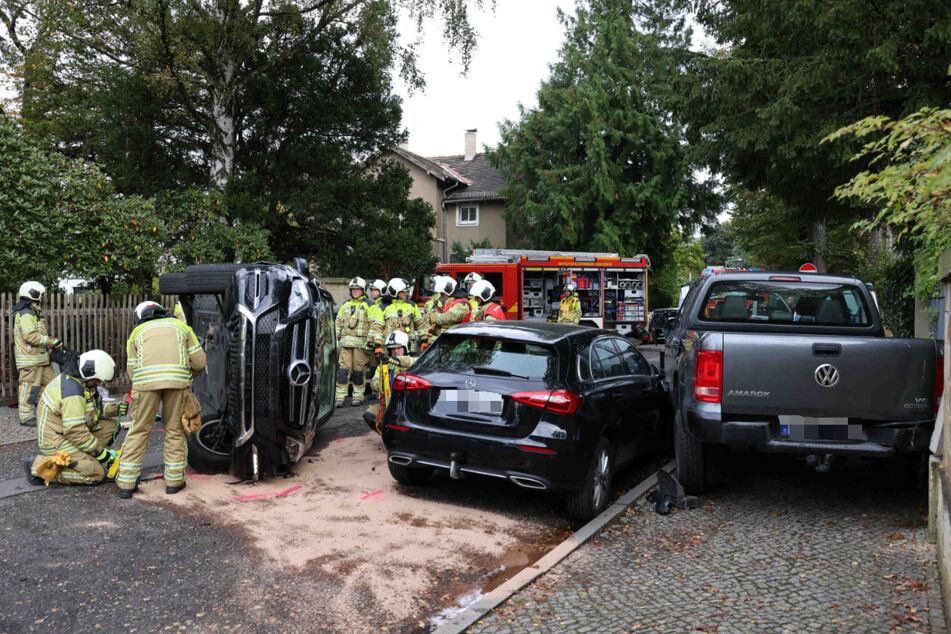 Viele Feuerwehrleute waren an der Unglücksstelle vor Ort.