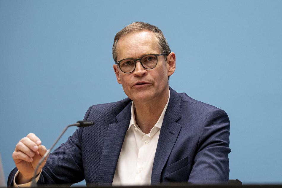 Michael Müller, regierender Bürgermeister von Berlin, spricht auf der Pressekonferenz nach der Senatssitzung zum weiteren Vorgehen zur Eindämmung der Corona-Pandemie.