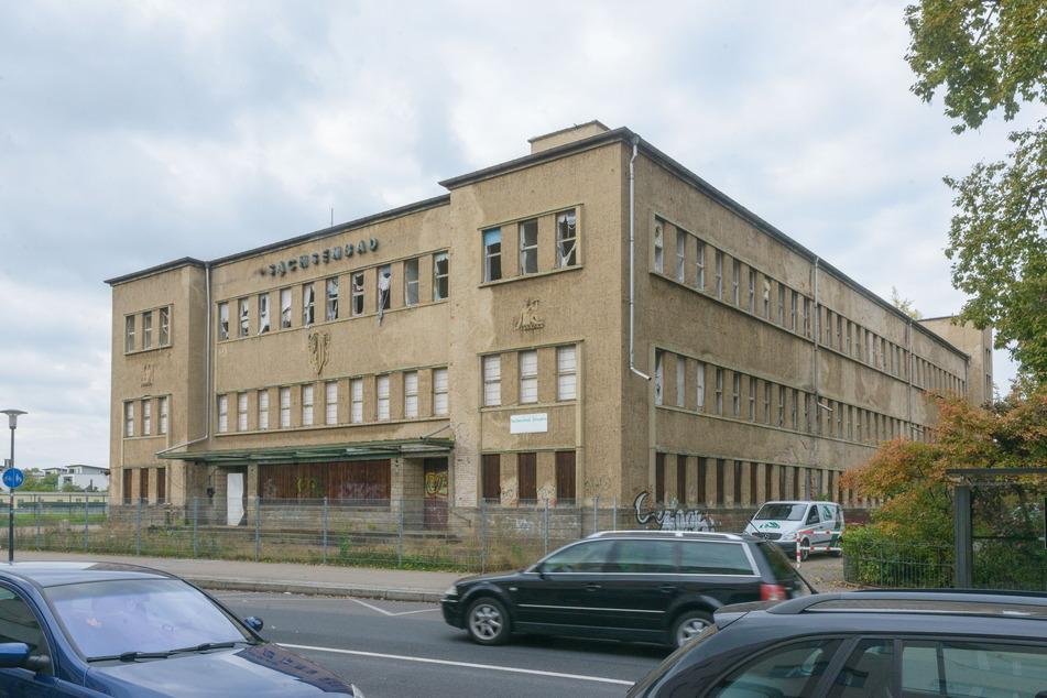 Obwohl der Stadtrat bereits entschieden hat, wird weiter um das Sachsenbad gestritten.