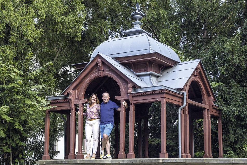 Domitilla de Laporte (44) und ihr Mann Alexis (45) stellen den Pavillon für das Nachbarschaftsfest zur Verfügung.