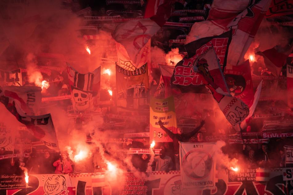 Die Ultras des VfB Stuttgart schlossen sich der Kritik der deutschen Fanszenen an. (Archivbild)