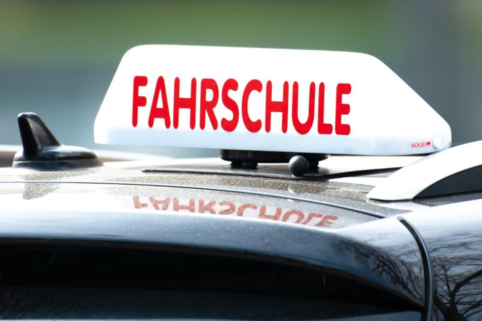 Die Fahrschulen dürfen unter bestimmten auflagen wieder öffnen (Symbolfoto).