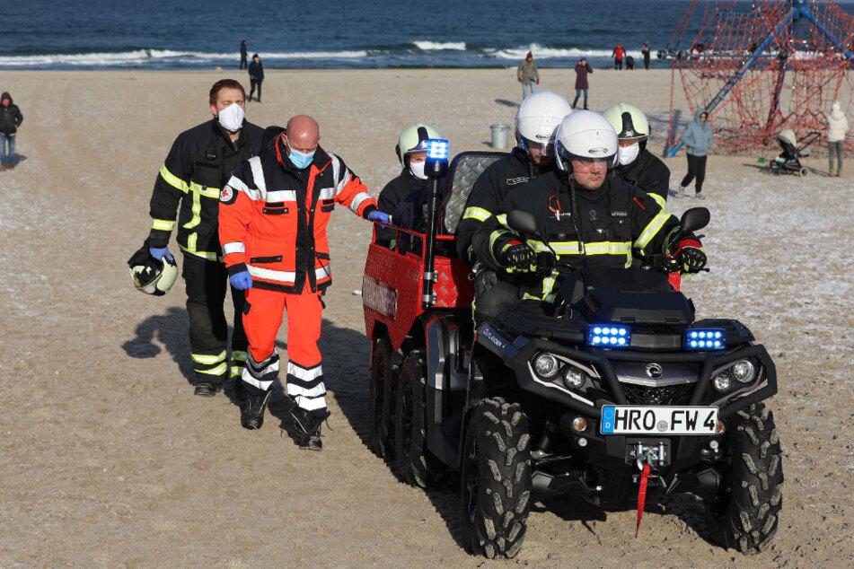 Drama an Ostseestrand: Mann stirbt beim Eisbaden