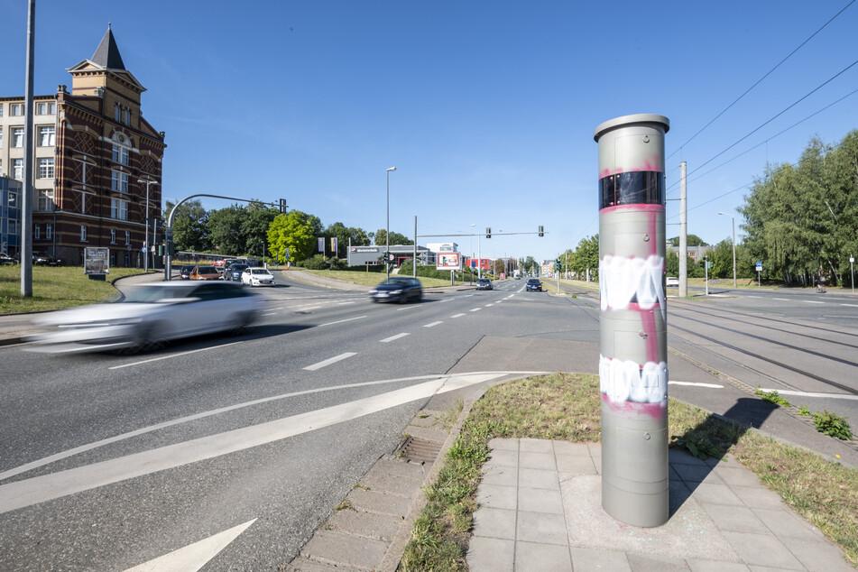 Das Messgerät an der Kreuzung Zwickauer Straße/Barbarossastraße wurde nun bereits zum sechsten Mal beschmiert.