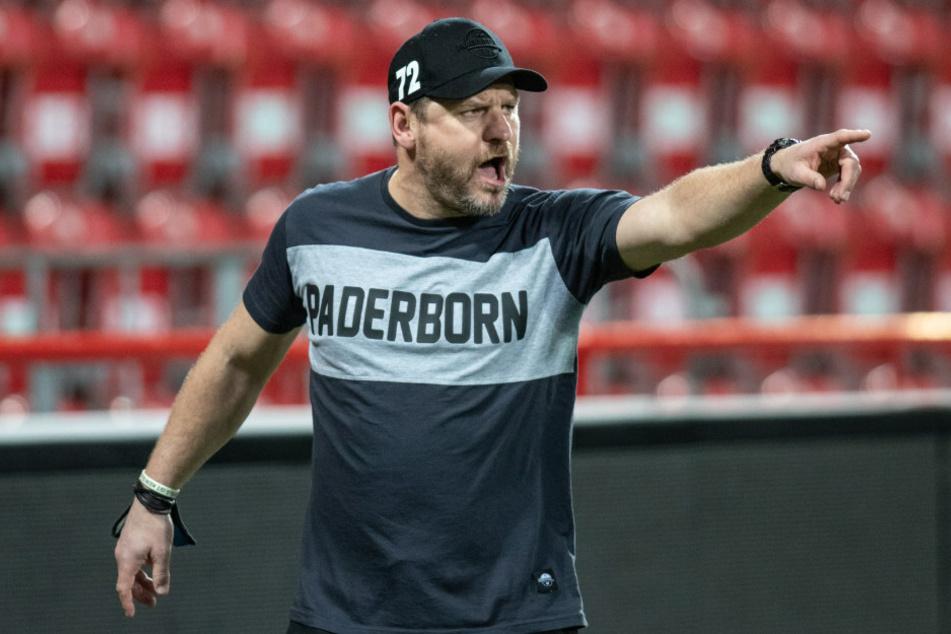 Paderborn-Trainer Steffen Baumgart (48) ist nach dem Pokal-Coup seiner Mannschaft gleich in Berlin geblieben. Schließlich liegt sein Hauptwohnsitz nur unweit der Alten Försterei.