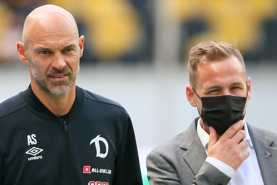 Henry Buschmann (38, r.) ist nicht mehr Pressesprecher bei Dynamo Dresden und wird im Gegensatz zu Trainer Alexander Schmidt nicht mehr bei Pressekonferenzen dabei sein.