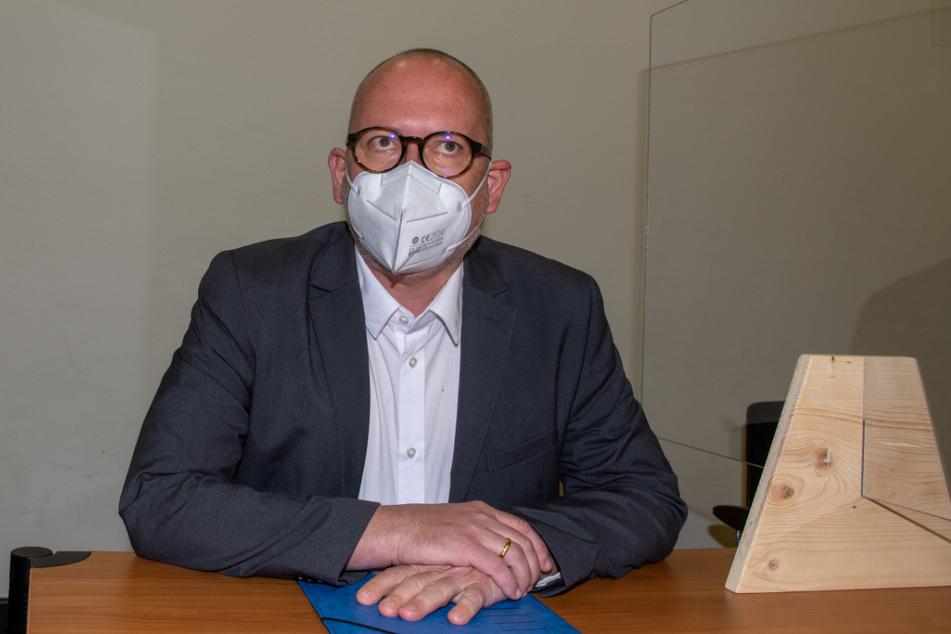 Peter Hummel (Freie Wähler) sitzt im Amtsgericht.