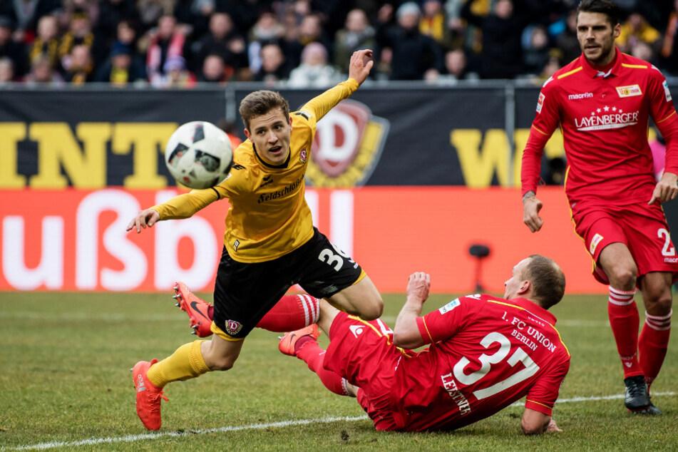 Toni Leistner, 2017, im Trikot von Eisern Union gegen Dynamo Dresden.