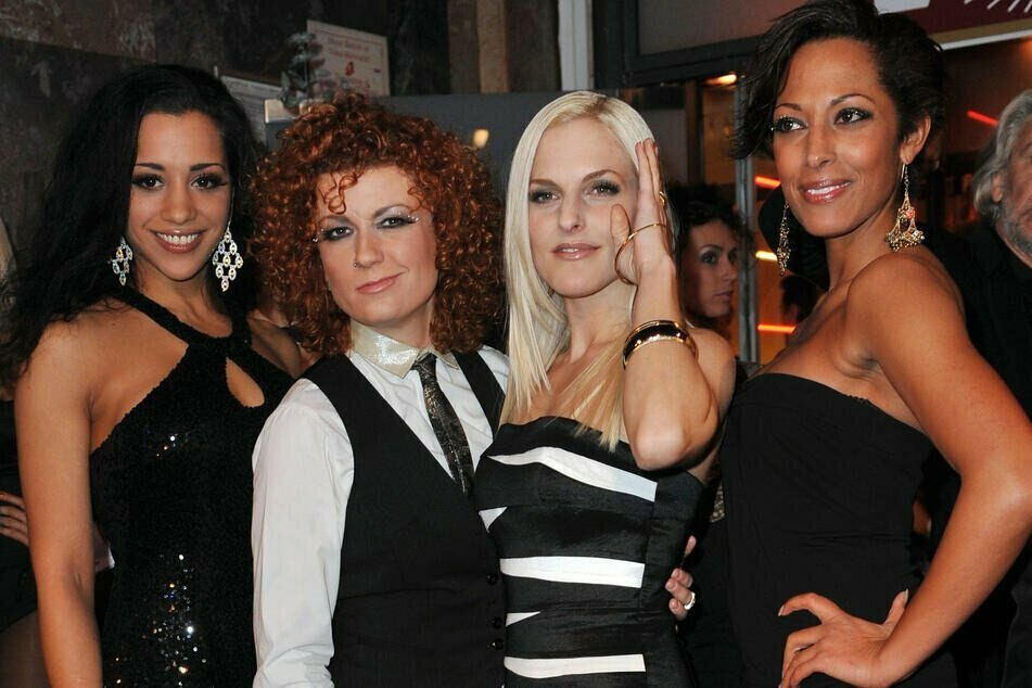 """Vier von Fünfen sind wieder da! Die """"No Angels""""-Mädels Nadja Benaissa (38, v.l.n.r.), Lucy Diakovska (44), Sandy Moelling (39) und Jessica Wahls (44) singen wieder zusammen."""