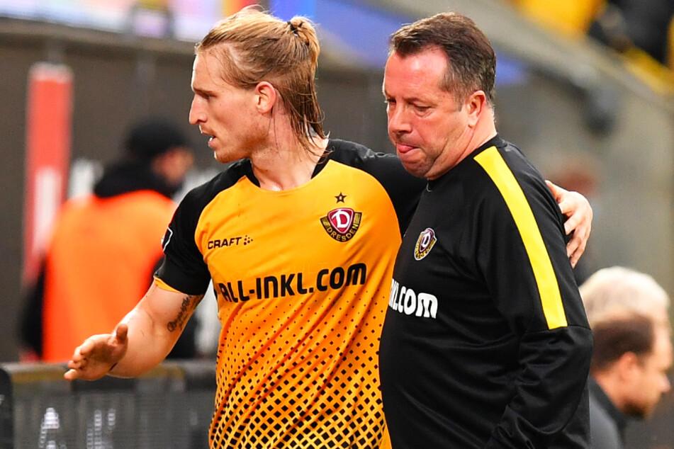 Dynamo-Coach Markus Kauczinski 50, (r.) lobt Marvin Stefaniak (25).