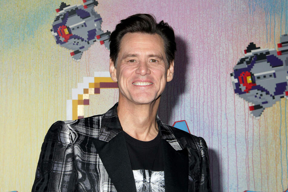 Jim Carrey (58) throws a political punch at Trump after the January 6 riots at the Capitol.