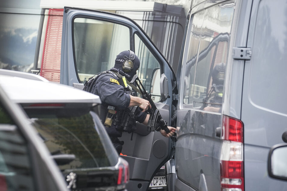 """""""Akute Bedrohungslage""""? Großeinsatz der Polizei im Frankfurter Gallus"""