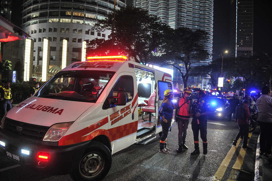 Beim Zusammenstoß von zwei Stadtbahnen in der malaysischen Hauptstadt sind mehr als 210 Menschen verletzt worden. Mindestens 47 Passagiere hätten schwere Verletzungen davongetragen.
