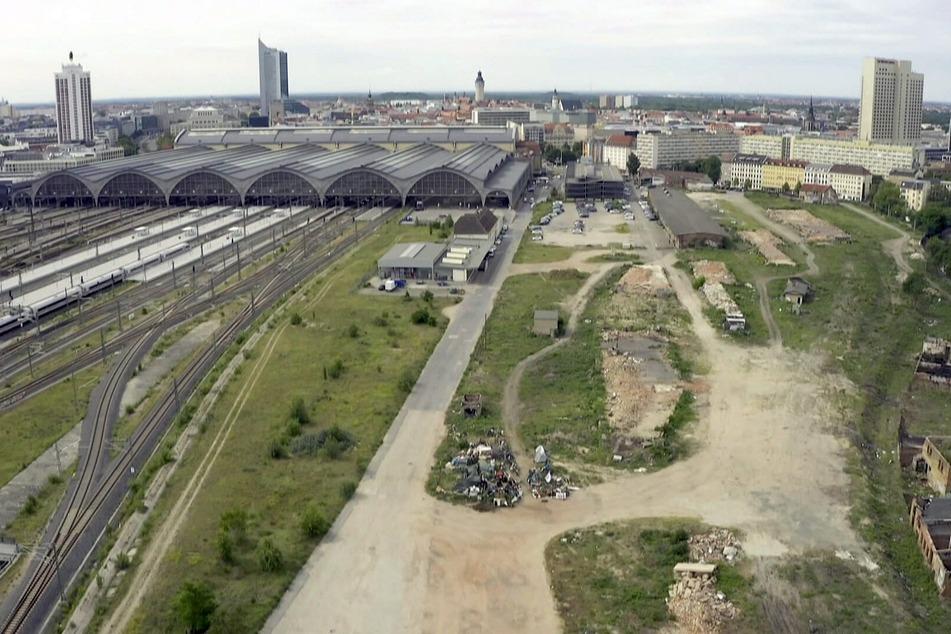 Nach und nach werden die alten Baracken hinter dem Hauptbahnhof abgerissen. Hier soll ein Neubauviertel entstehen.