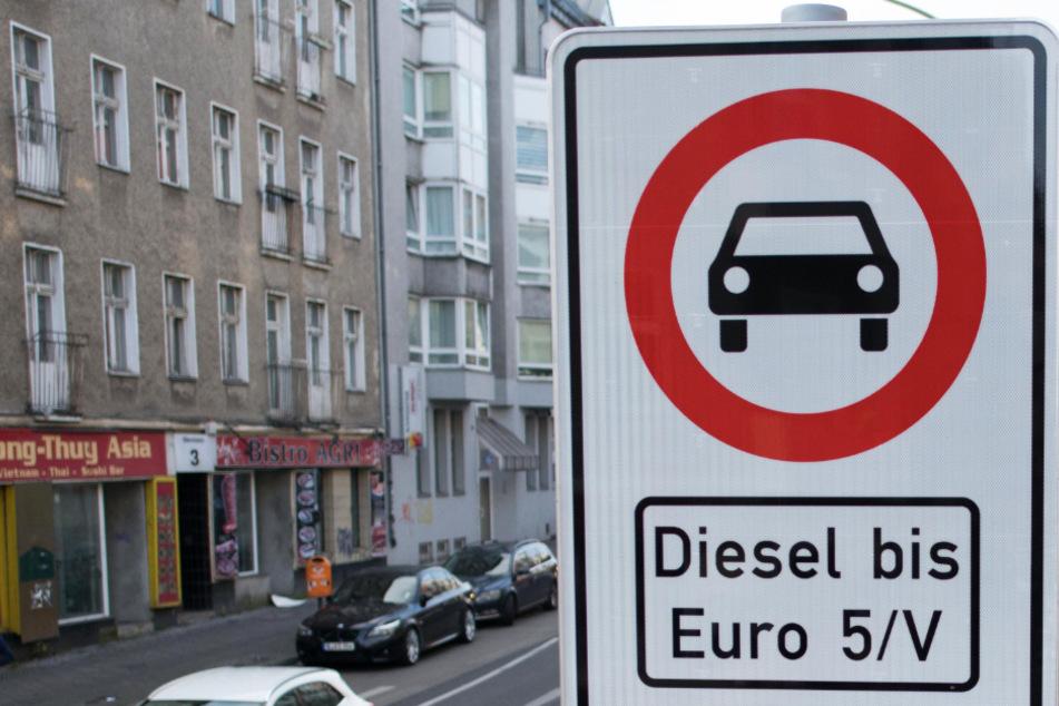 Das Foto aus dem November 2019 zeigt eine Dieselfahrverbots-Zone in Berlin.
