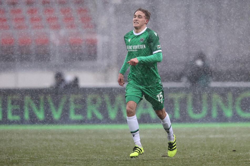 Timo Hübers (24) steht kurz vor einem Wechsel zum 1. FC Köln. Der 1,90 Meter große Abwehrspezialist gilt als technisch beschlagen und ist charakterlich ein Führungsspieler.