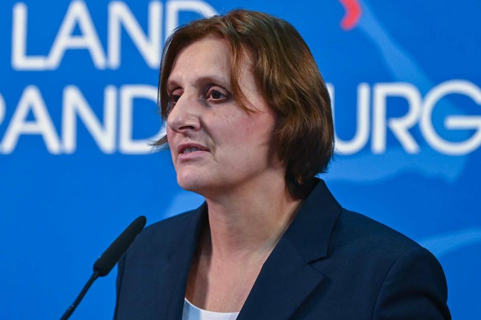 Brandenburgs Bildungsministerin Britta Ernst (60, SPD) setzt für das kommende Schuljahr auf Corona-Impfungen für Schulkinder.