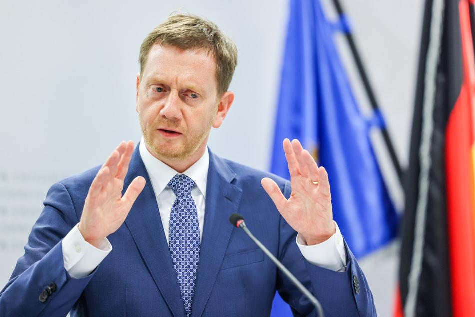 Sachsens Ministerpräsident Michael Kretschmer (46, CDU) hat für Dienstag zu einem Impfgipfel eingeladen. (Archivbild)