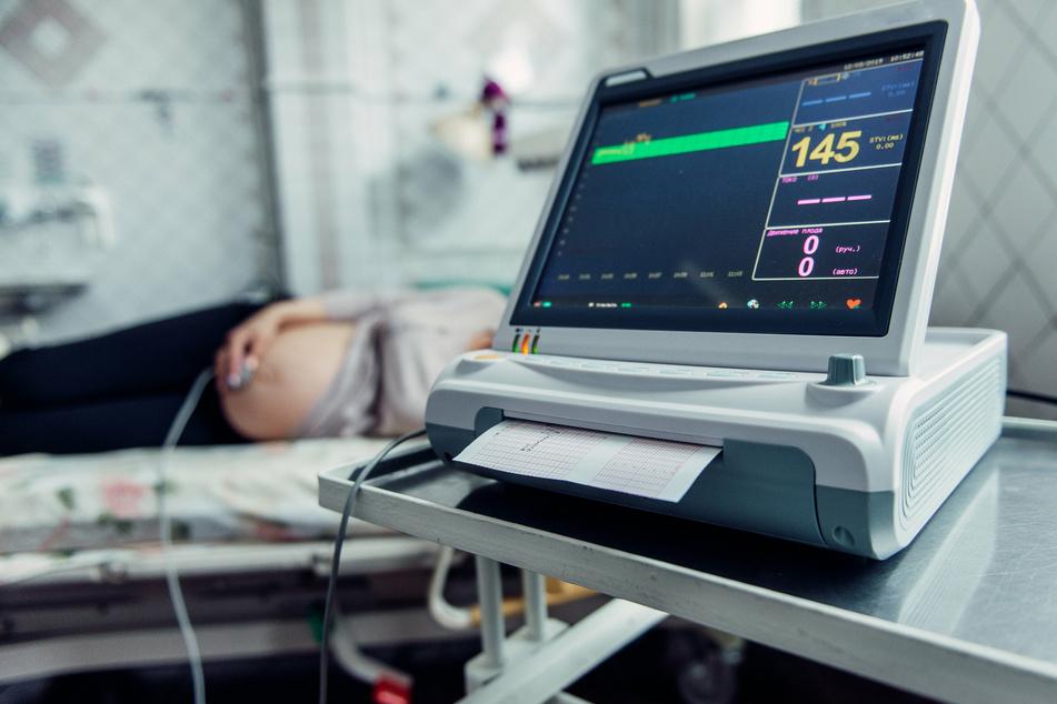 In einigen Ländern sind einer Analyse zufolge im Zuge der Corona-Pandemie womöglich die Geburtenraten merklich gesunken. (Symbolbild)