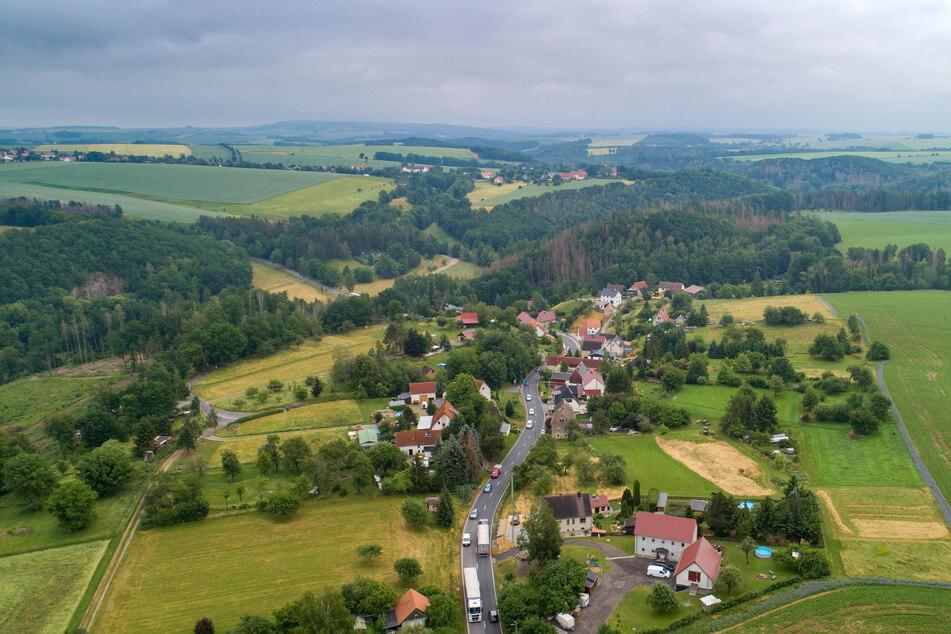 Brummis lieben das idyllische Tanneberg (Landkreis Meißen) - vor allem, wenn rund ums Dreieck Nossen Stau ist. Doch nun gilt ein Durchfahrtsverbot für die S36 und damit auch für Tanneberg.