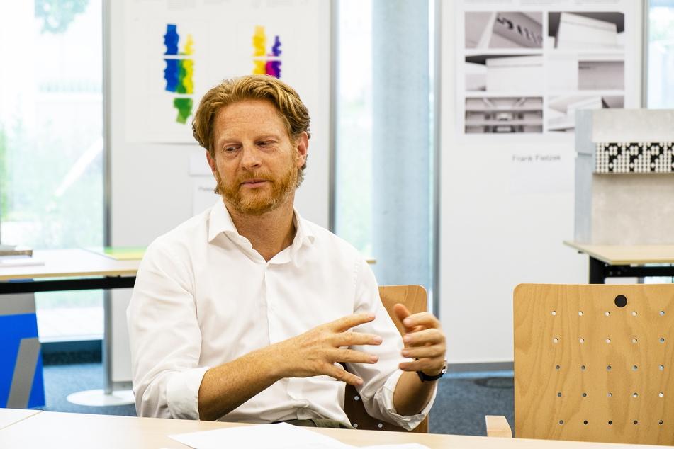 Laut Baubürgermeister Michael Stötzer (47, Grüne) verträgt die beste Architektur auch die schönste Kunst.