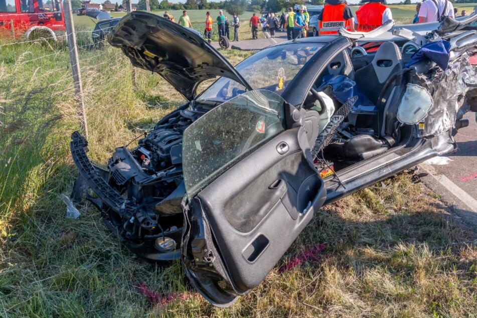 Zwölf Menschen, darunter sieben Kinder, bei schwerem Unfall verletzt