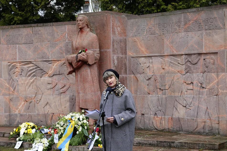 Am Mahnmal im Park der Opfer des Faschismus sprach OB Barbara Ludwig (58) vor einem Jahr zur obligatorischen Kranzniederlegung.