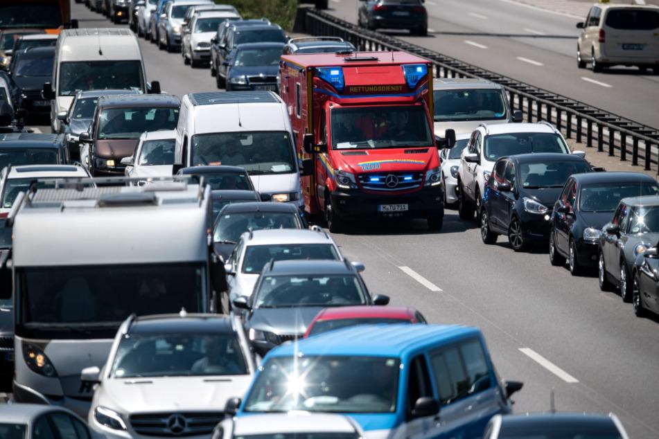 Autofahrerin verwüstet Rettungsgasse, fünf Verletzte: Ihre Begründung ist wenig glaubwürdig