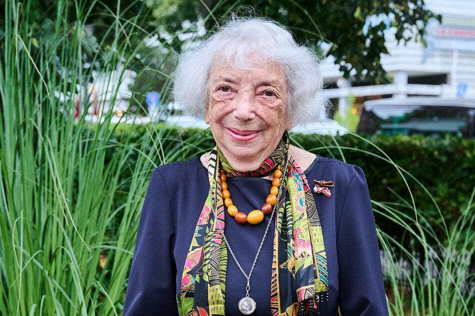 """Am 5. November wird Margot Friedländer 100 Jahre alt. Passend zum Themenjahr """"1700 Jahre jüdischen Leben in Deutschland"""" erscheint ihr Interviewbuch """"Ich tue es für Euch""""."""