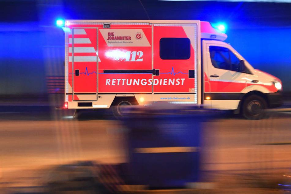 17-jähriger Motorradfahrer fährt 15-Jährigen über den Haufen und verletzt ihn schwer