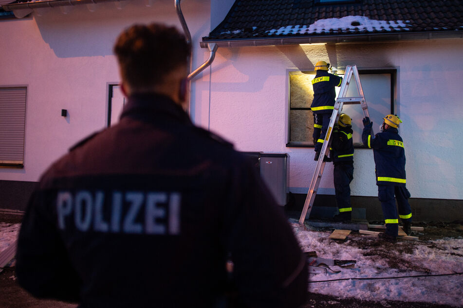 Vater erstach seine Familie: Ermittlungen in Radevormwald weitgehend abgeschlossen