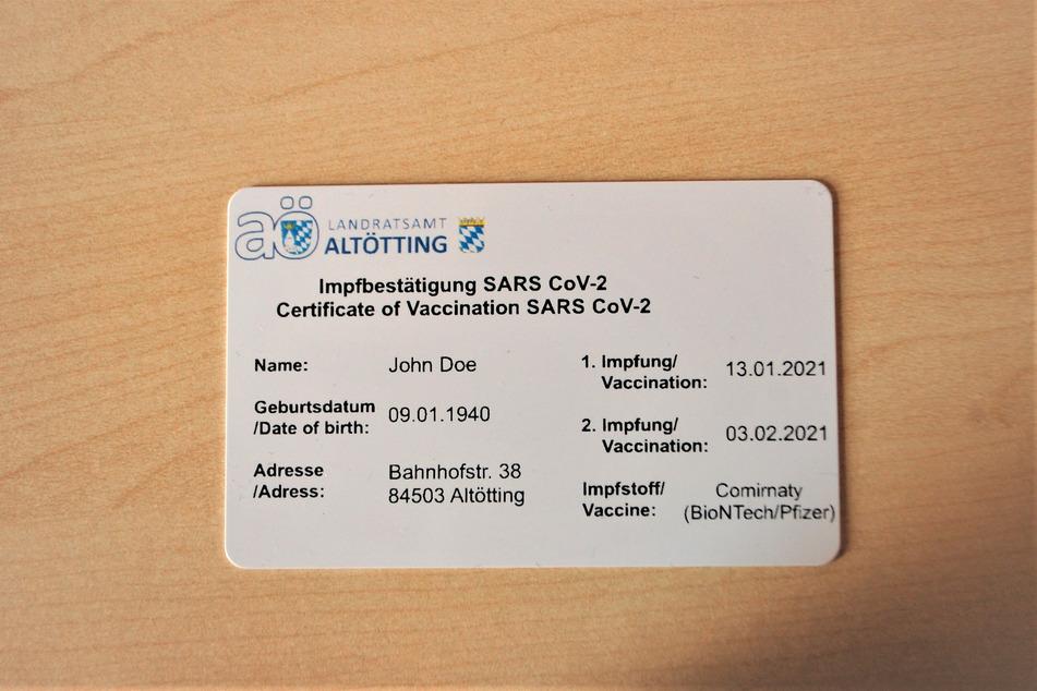 Erster digitaler Impfpass vergeben: Hier wagt man den Alleingang