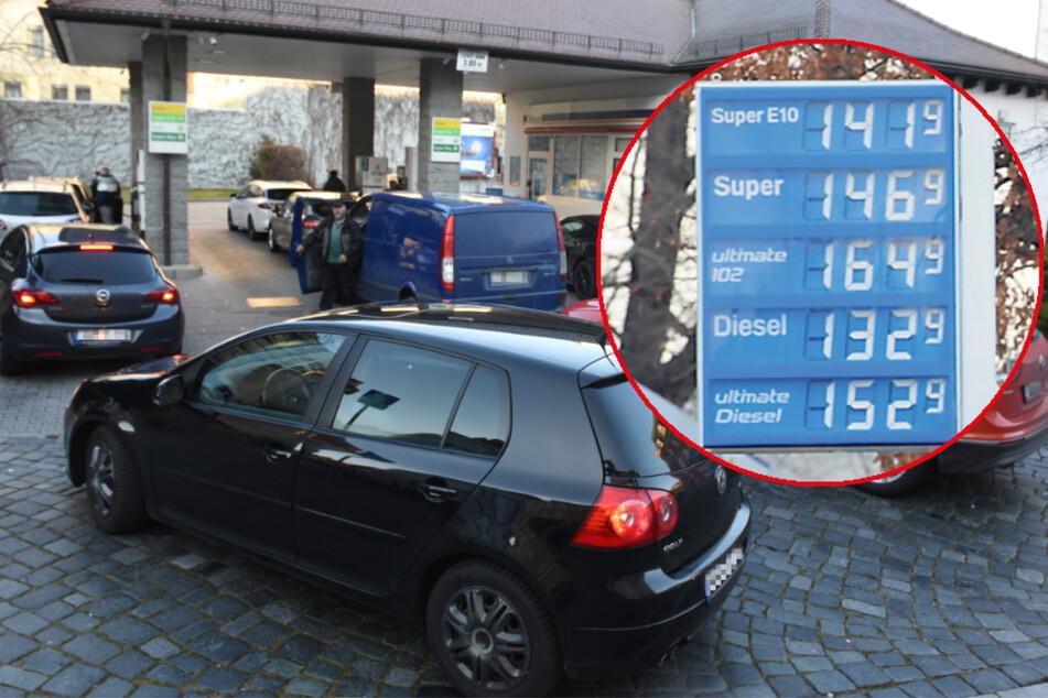 Erst Warteschlangen, dann Preisanstieg: Warum das Tanken jetzt so teuer ist!