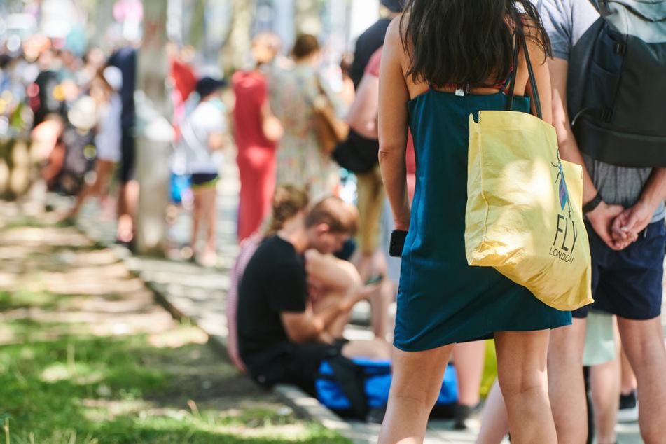 Berliner suchen Abkühlung im Prinzenbad. Es wird wieder sommerlich warm in Berlin und Brandenburg.