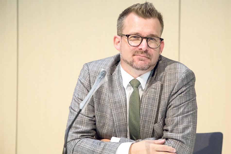 Muss die enorme Kostensteigerung begründen: Baubürgermeister Raoul Schmidt-Lamontain (43, Grüne).