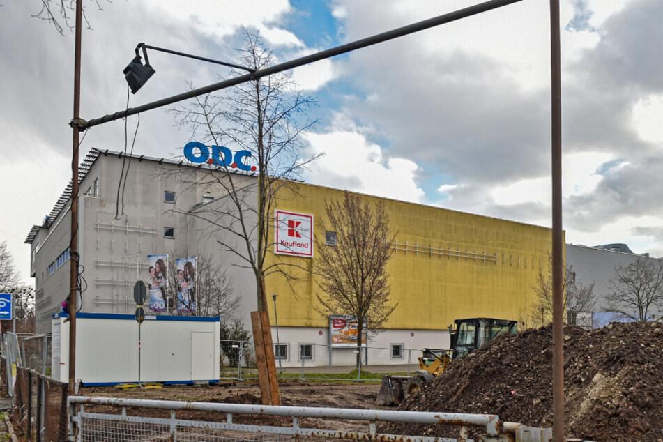 Direkt neben dem Otto-Dix-Center tut sich was. Viele Anwohner fragen sich, was hier wohl hinkommt.